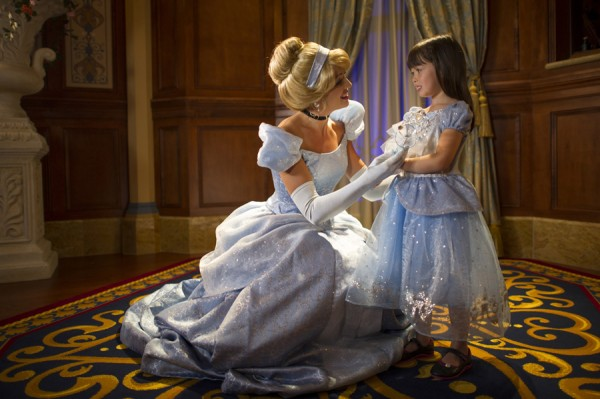 princess-fairytale-hall-cinderella