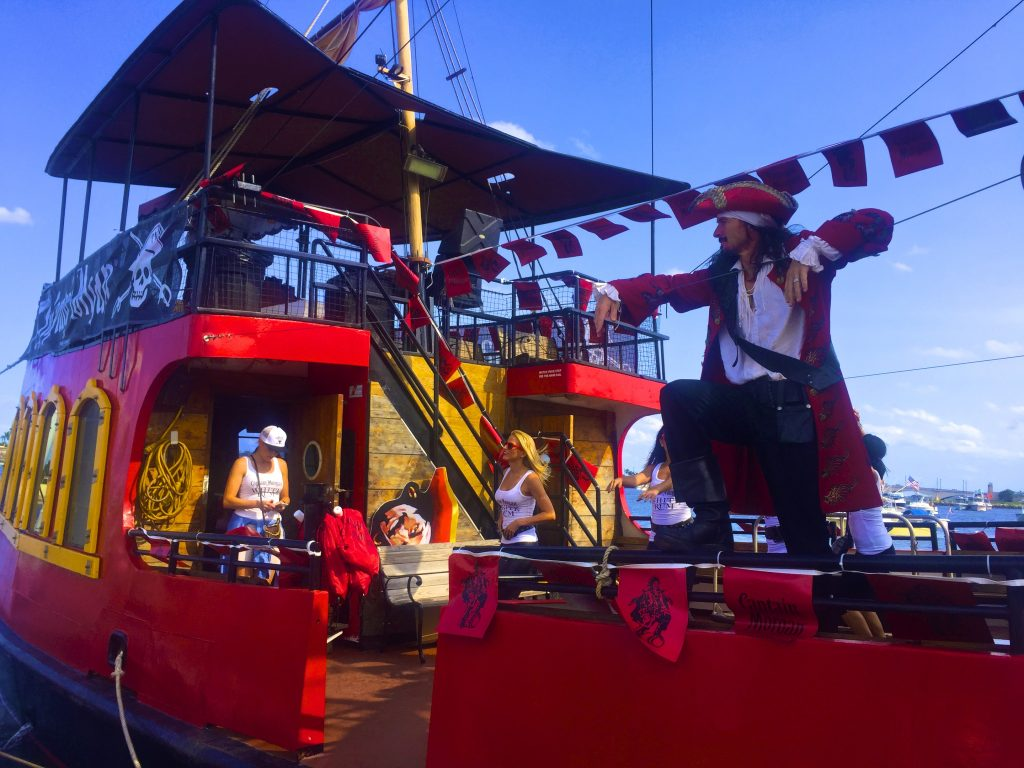 sunfest-captain-morgan-boat